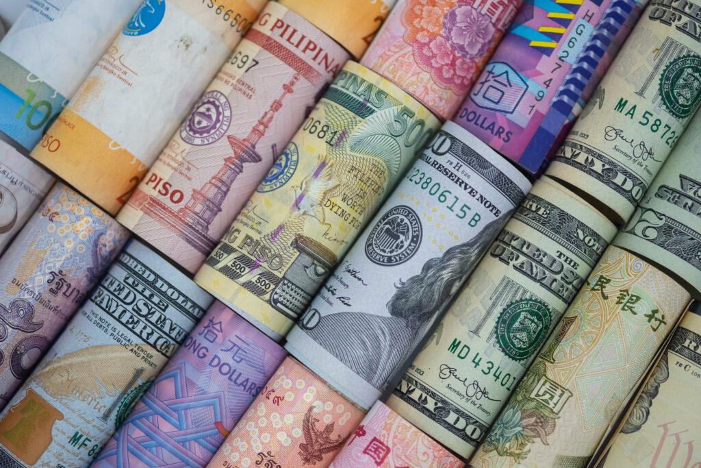 5 Money-Saving Currency Exchange Tips